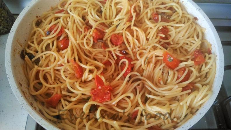 spaghetti-alla-puttanesca-11