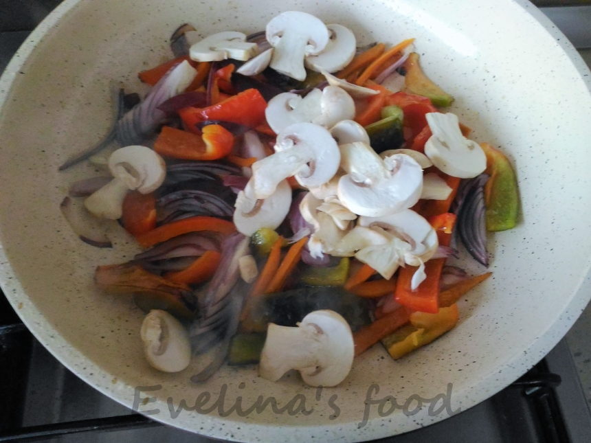 muschi-de-porc-cu-legume-sote-12