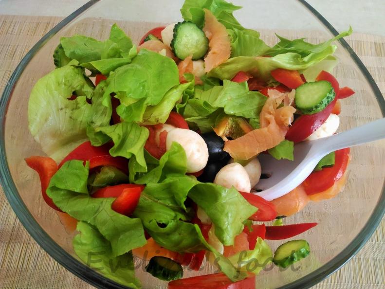 salata-cu-somon-si-mozarella-13