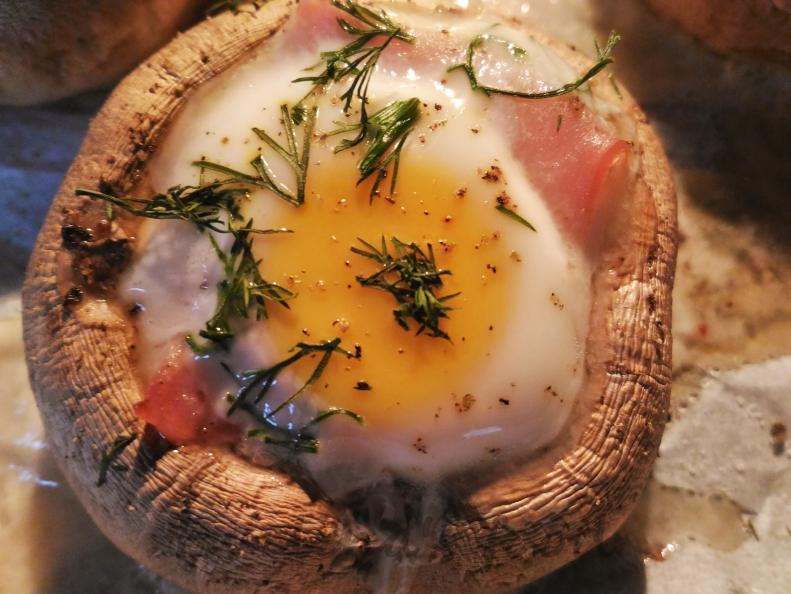 ciuperci-umplute-cu-oua-de-prepelita-8