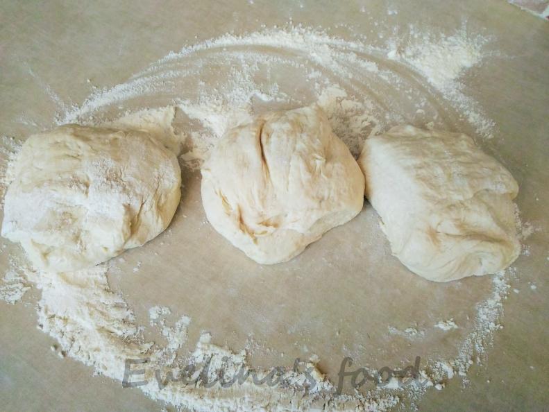 Pizza Margerita con salami (9)